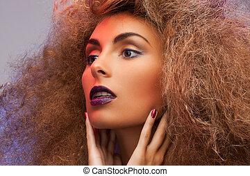 mulher, com, longo, cabelo ondulado