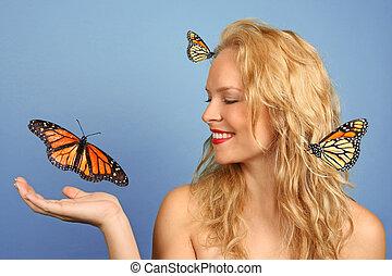 mulher, com, muitos, borboletas, em, mão, e, dela, cabelo