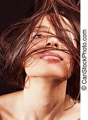 mulher, com, sensual, lábios, e, cabelo, movimento