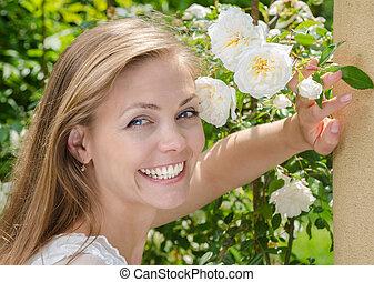 mulher, com, um, bonito, sorrizo, e, dentes saudáveis