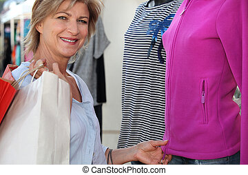 mulher, compras roupas