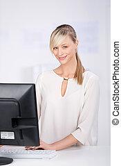 mulher computador