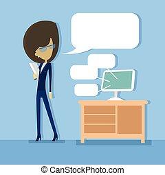 mulher, computador, escritório negócio, comunicação, desktop, conceito, levantar, conversa, social, bolha, rede
