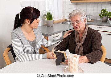 mulher, consolar, a, viúva, de, death., aflição, counseling.