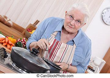 mulher, cozinhar, idoso