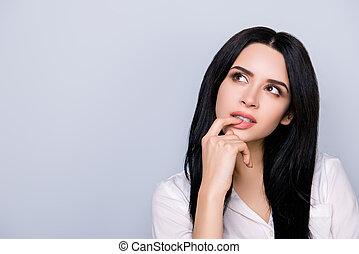 mulher, cute, novo, sensual, idéia, formalwear, aproximadamente, retrato, lábios, fink, espaço cópia, jovem, bonito, cabelo preto, olhar