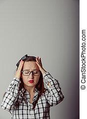 mulher, dela, segurar passa, cabeça, dor de cabeça