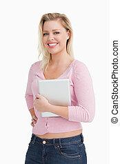mulher, dela, tabuleta, orgulhosamente, computador, atraente, segurando