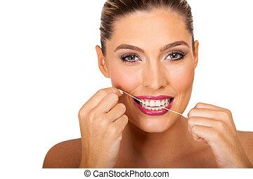 mulher, dentes limpando