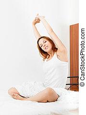 mulher, despertando, cima, folha, branca