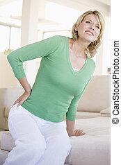 mulher, dor, costas