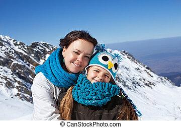 mulher, e, menininha, retrato, ligado, um, topo montanha