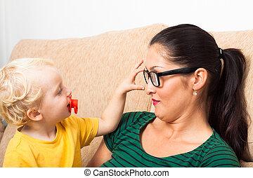 mulher, em, óculos, e, criança