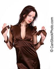 mulher, em, marrom, vestido