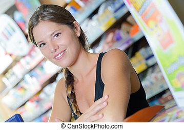 mulher, em, um, loja