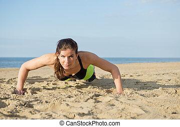 mulher, empurrar cima, ligado, um, praia