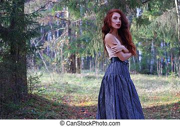 mulher, ensolarado, floresta outono, excitado, poses, saia, vento, cinto