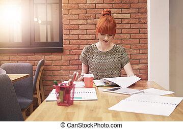 mulher, escritório, trabalhando, jovem