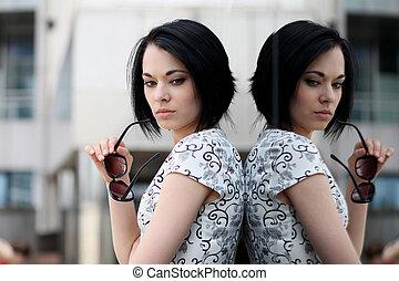 mulher, espelho, reflexão, jovem