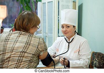 mulher, examinando, doutor, paciente