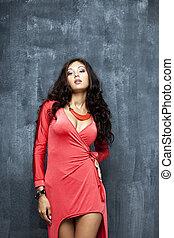 mulher, excitado, retrato, vestido vermelho, bonito
