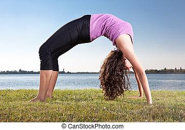 mulher, exercício, jovem, capim, ioga, verde, bonito