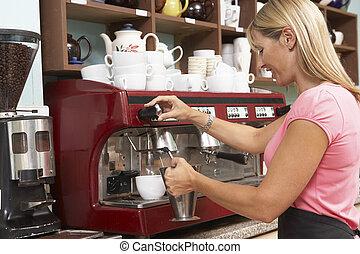 mulher, fazendo café, em, caf
