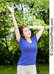 mulher feliz, após, treinamento