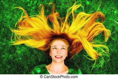 mulher feliz, com, cabelo longo, baixo, ligado, capim