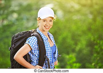 mulher, feliz, mochila, turista