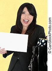 mulher feliz, prendendo um sinal