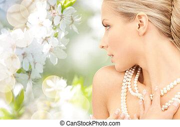 mulher, flor, cereja, sobre, colar pérola
