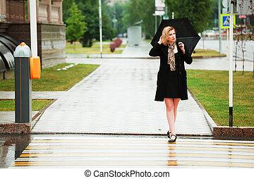 mulher guarda-chuva, chuva