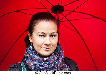 mulher, guarda-chuva, vermelho, sob
