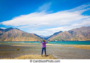 mulher, hawea, lago, nz, abraçar, montanhas, vista