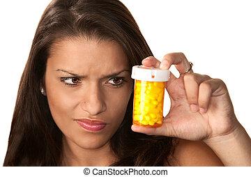 mulher hispânica, com, medicação prescrição
