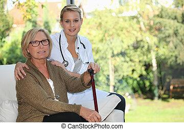 mulher idosa, e, jovem, femininas, caregiver, casa