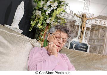 mulher, idoso, chorando