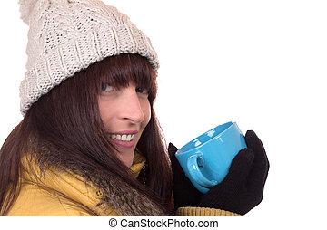mulher, inverno, copo, chá, quentes, sorrindo, bebendo