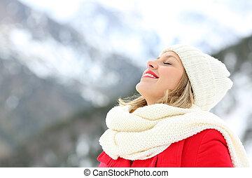 mulher, inverno, feriados, respirar, ar fresco