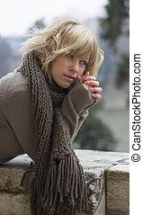 mulher, inverno, jovem, atraente, ao ar livre, loiro