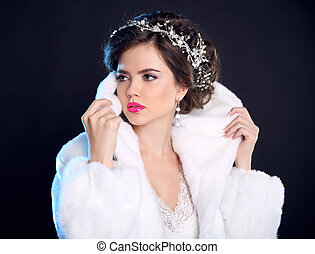 mulher, jóia, moda, pele, inverno, experiência., penteado, modelo, isolado, makeup., escuro, elegante, morena, posar, agasalho, trendy, portrait., menina, branca, luxo