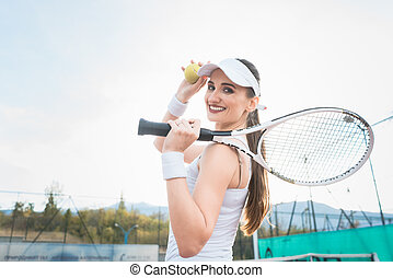 mulher, jogando tênis, tendo uma ruptura