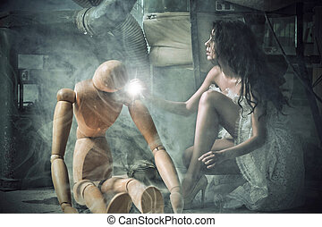 mulher jovem, abraçando, um, madeira, dummy