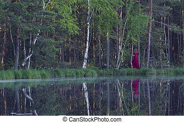 mulher jovem, andar, em, a, floresta, perto, a, lago