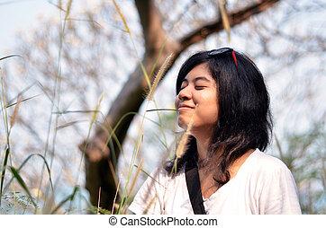 mulher, jovem, ar, respirar, asiático, fresco