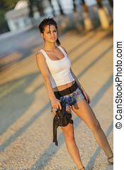 mulher, jovem, arma