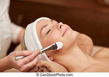 mulher, jovem, cima, spa, fim, cosmetologist