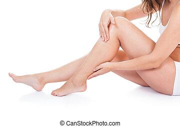mulher jovem, com, bonito, pernas