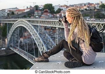 Vendo Camera A Ponte.Ponte Observacao Negligenciar Conves Topo Sentando